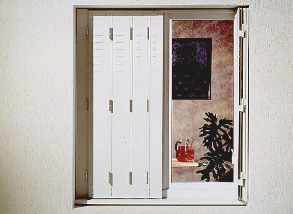 volets pliants gallery of latest meilleur portes de garage pvc cr en porte de garage et volet. Black Bedroom Furniture Sets. Home Design Ideas