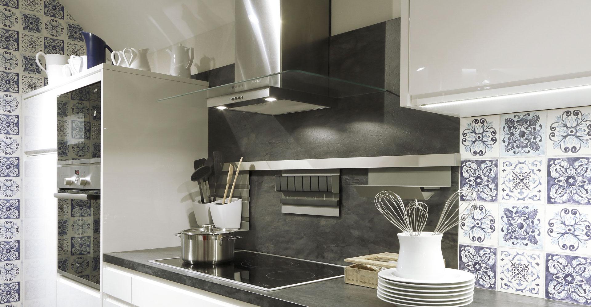 ixina anglet ixina agen cours de cuisine bayonne unique cuisine ikea bleu lgant beautiful. Black Bedroom Furniture Sets. Home Design Ideas